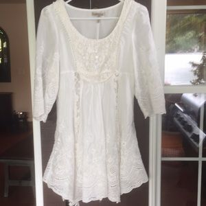 Lace Tunic blouse with lining. White, Medium